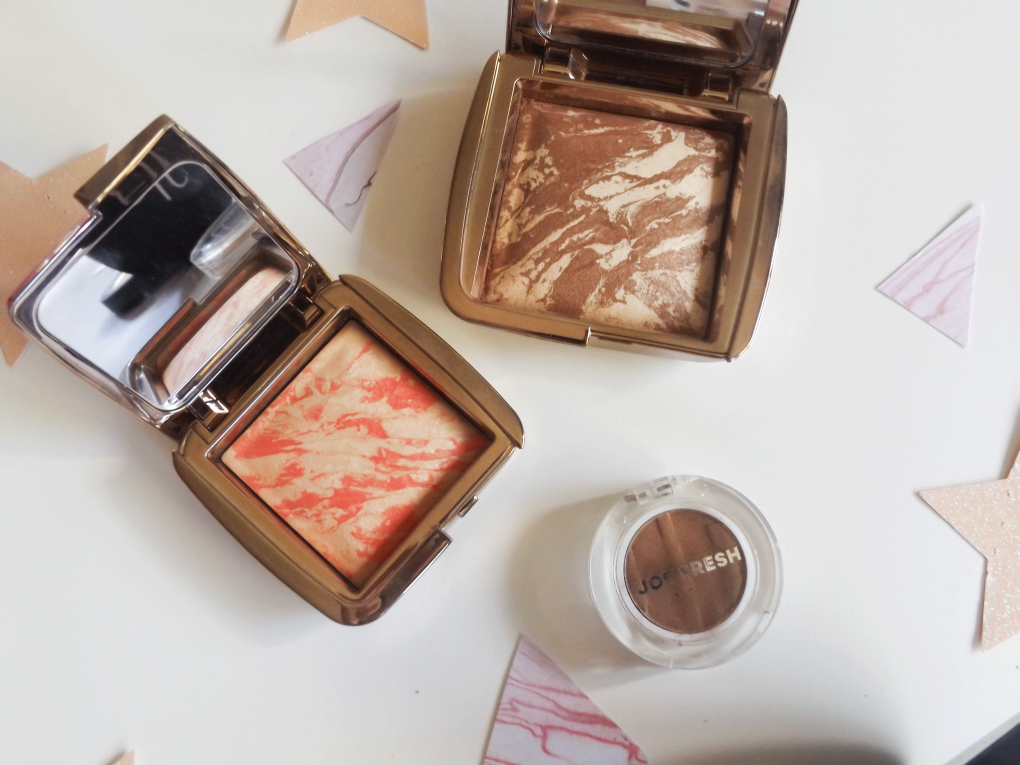 Hourglass Ambient lighting bronzer and