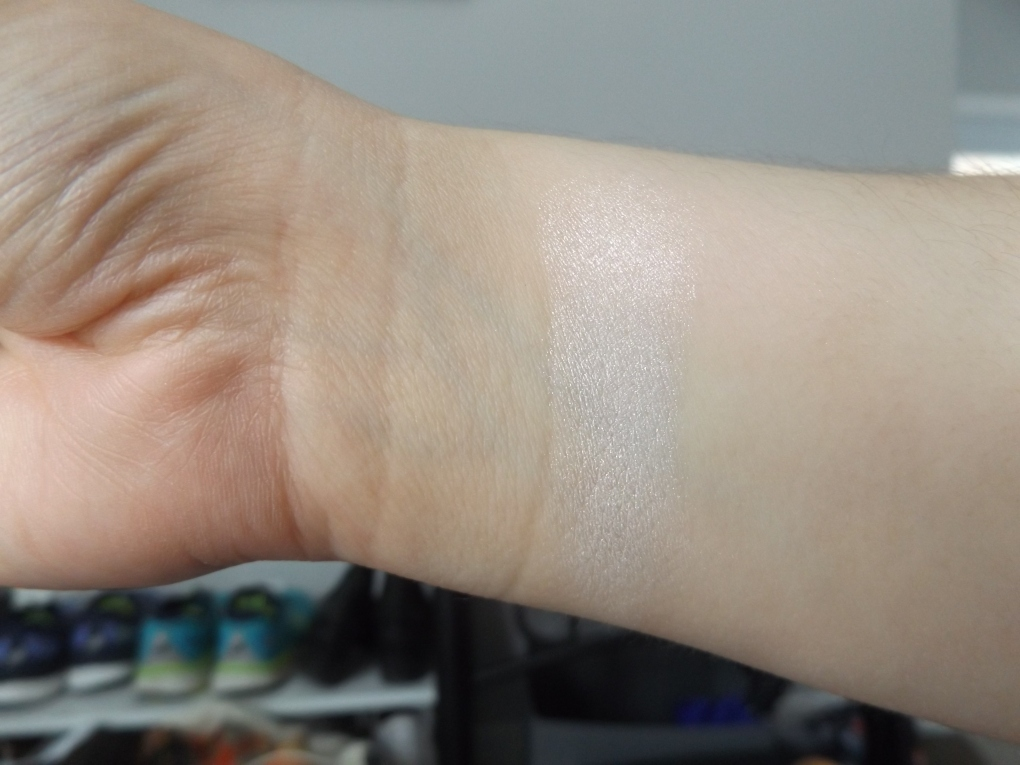 swatch of highlighter